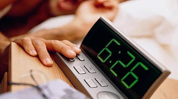 ¿Por qué los relojes digitales de Europa se retrasaron 6 minutos?
