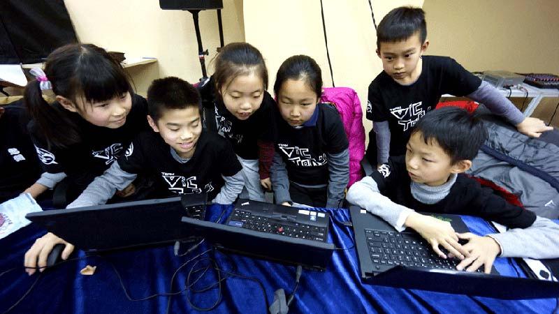 Los Ninos Chinos Programan Los Codigos Del Exito Futuro
