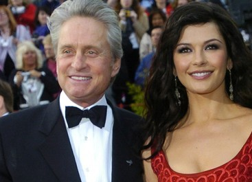 Zeta-Jones y Douglas se divorcian